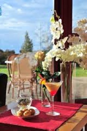 Hotel-Restaurant Ambotel : pause cocktail au bar