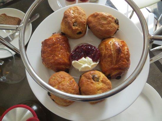 Ruelo Patisserie: Baked goods