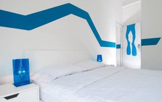 WAVE Hotel & Cafe Curacao: quarto Wave Hotel