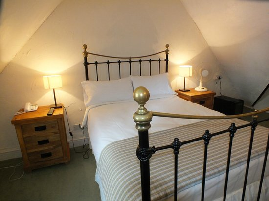 The Plough Inn: Standard bedroom