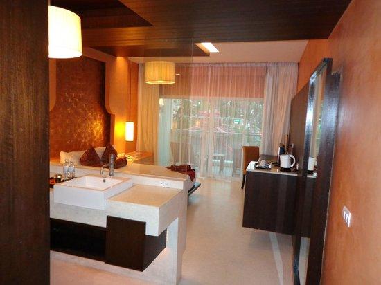 Chanalai Romantica Resort: Habitación