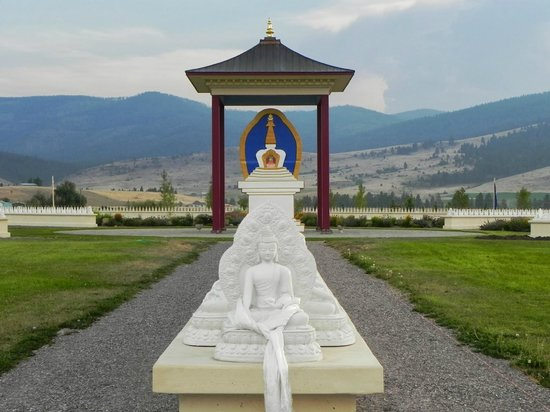 Garden of one thousand buddhas picture of garden of one thousand buddhas arlee tripadvisor Garden of one thousand buddhas