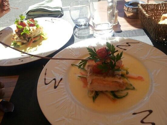 Côte du Sud : filet de merlu sauce vanille et tagliatelles de légumes