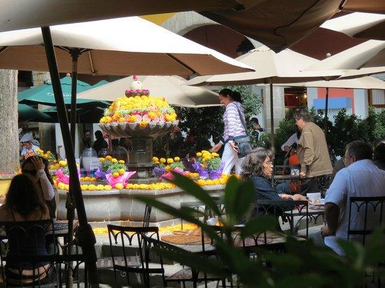 San Jacinto Plaza : Plaza San Jacinto, restaurantes
