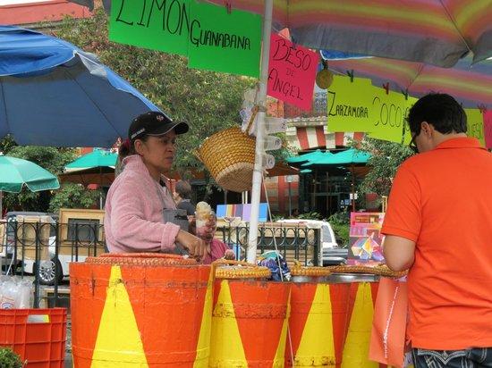 San Jacinto Plaza : Sorvetes artesanais