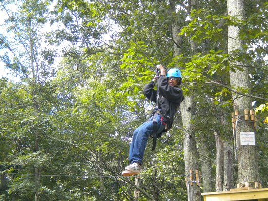 Mountain Lake Lodge: Tree Top Adventure zip line