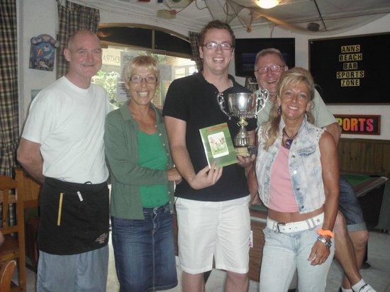Ann's Beach Bar: the crew with chris