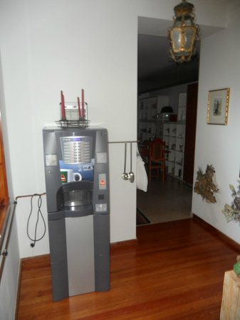 Palácio Vila Flor : Coffee machine