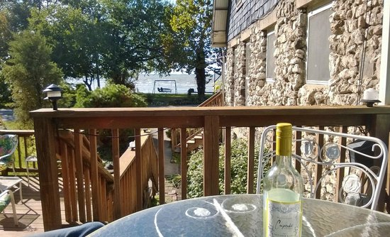 The Five Bells Inn: pre-dinner wine on the deck with view of lake