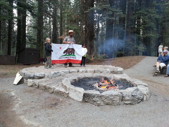 Crane Flat Campground: Grizzly bear talk by Ranger Paul