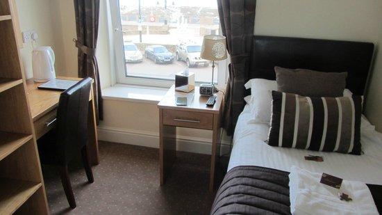 Ellan Vannin Metro Hotel: Room 5