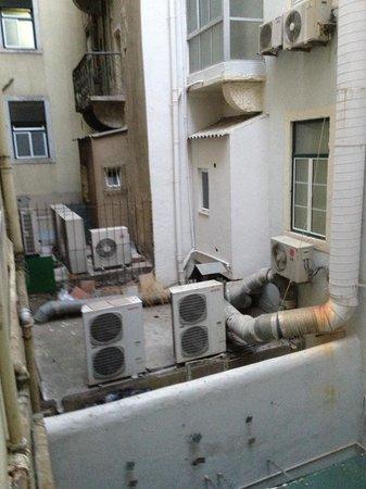Lisboa Tejo: cour intérieure horrible et bruyante