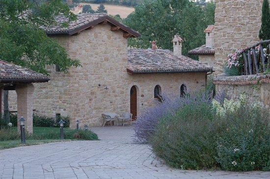 Borgo Belvederi: The hamlet