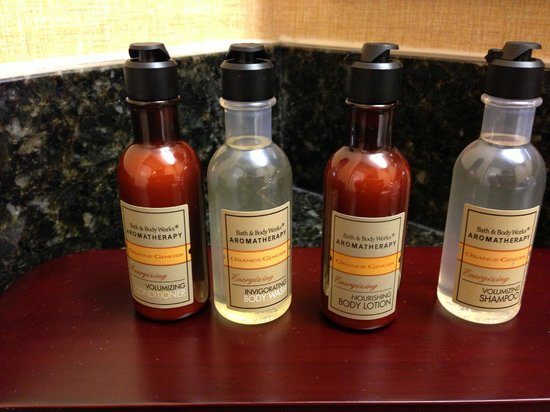 Marriott Riverside at the Convention Center: Bath Amenities