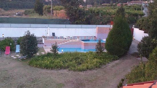 Quinta do Sol : piscina vista desde la terraza del apartamento