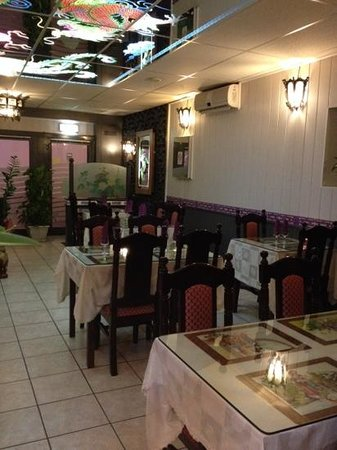 Orthez, França: salle du restaurant
