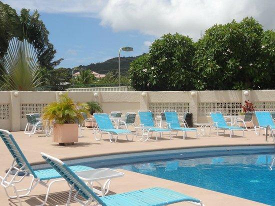 Sugar Beach Condominiums : the pool area