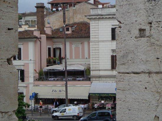 Hotel Royal House: vista do hotel de dentro do colisseu