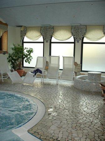 Hotel Pangrazzi: piscina
