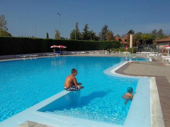 Camping Tiglio: piscina campeggio il Tiglio