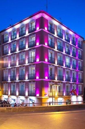 JC Rooms Santo Domingo Hotel: iluminación increíble