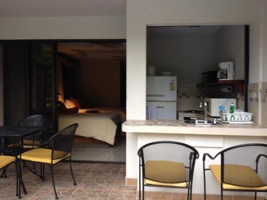 Hotel Pumilio: habitación desde la piscina