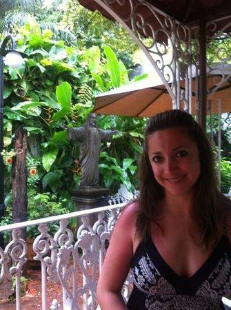 Flor de Michoacan: mi esposa y la parte del jardín de la terraza