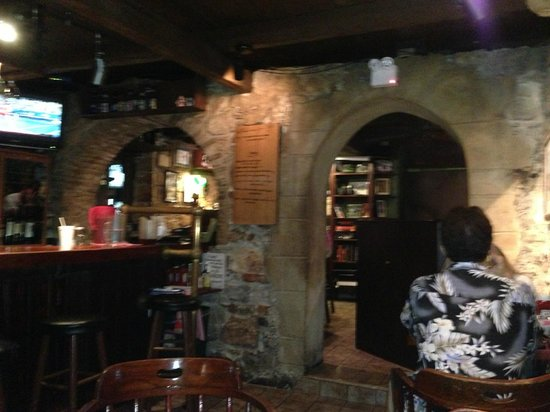 Bombay Club : Inside the restaurant