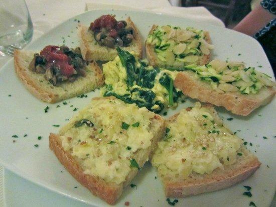 Osteria Dei Priori: Antipasto di bruschette