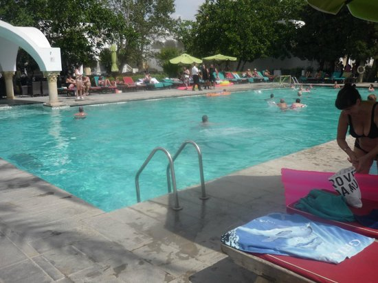 The Orangers Beach Resort & Bungalows: Hotel Pool
