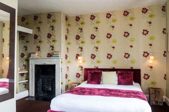 The Castle Inn, Hotels in Bradford-on-Avon
