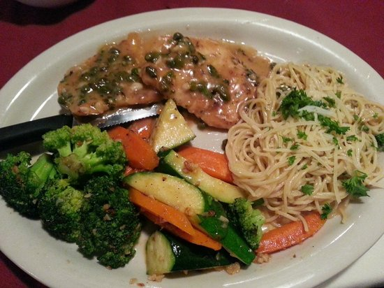 Veneto Italian Restaurant: Chicken Piccata (Chicken, capers, lemon and white wine sauce)