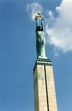 Freedom Monument (Brivibas Piemineklis): The woman's name is Milda.