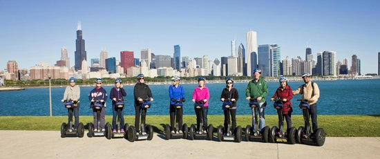 Bike and Roll : Chicago Skyline with our tour group!!!