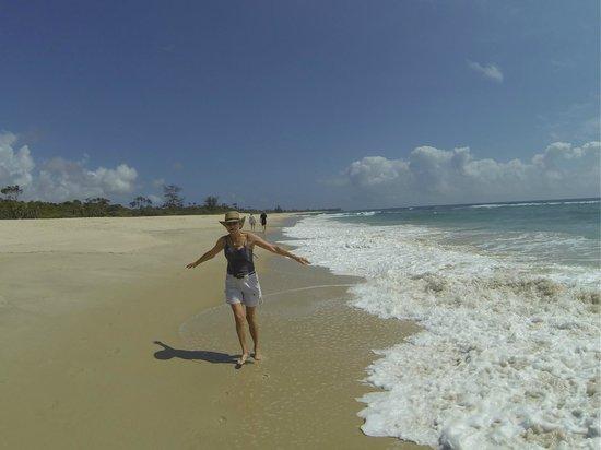 Ras Kutani: Enjoying a walk on the beautiful beach