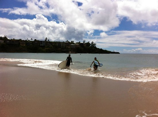 Kama'aina Surf & Sport: a great day of surfing at Kalapaki Beach