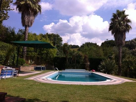 La piscine picture of villa giaren fiano romano for La piscine review