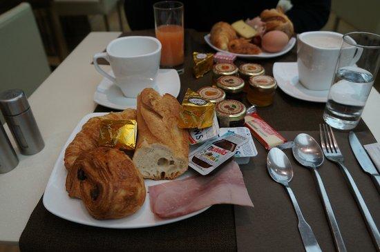 Hotel Paris Bastille: Café da manhã