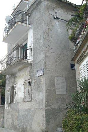 Volosko: La casa natale di Mohorović prima del restauro