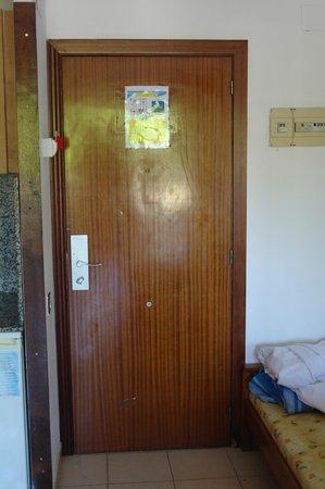 Salou Suite: drzwi wejściowe