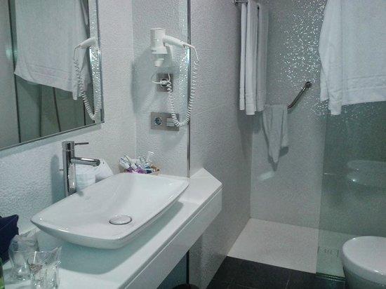 Hotel Thalasso Cantabrico Sirenas: baño2