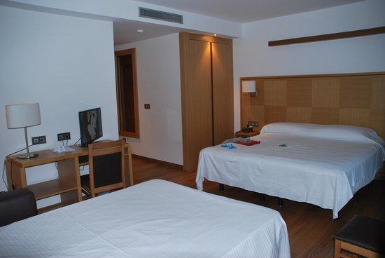 Hotel Thalasso Cantabrico Sirenas: hab triple