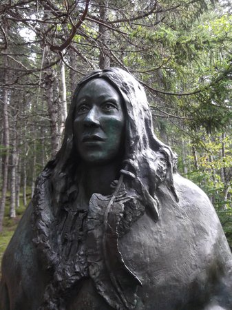 an overview of the beothuk indians of newfoundland The article discusses the life and works of shanawdithit, an algonkian-speaking beothuk indian of newfoundland shanawdithit was born in 1801 and traveled with her parents during seasonal migrations to look for food.