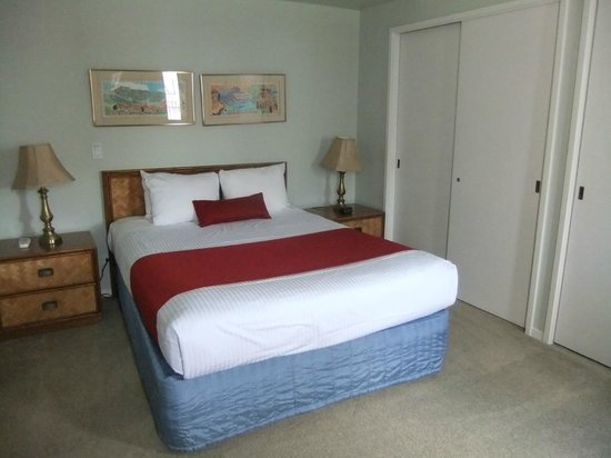 Outrigger Royal Sea Cliff: Bedroom 2