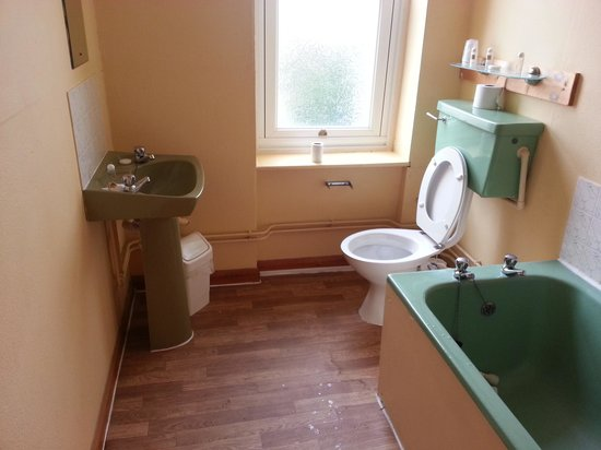 The Southcliff: bathroom