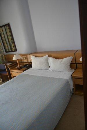 Hotel PraiaGolfe: habitacion