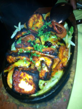 Strand Tandoori: Burnt Food the norm