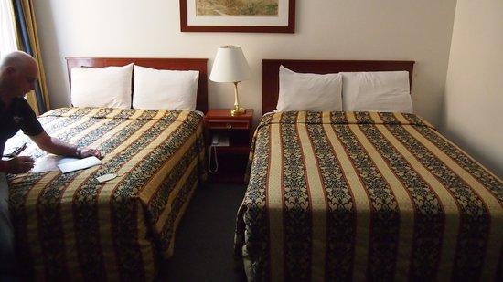Hotel Ritz Mexico: kamer met bedden