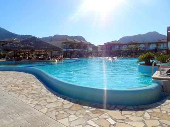 Pool - Atlantica Holiday Village Rhodes: .