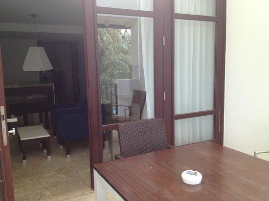Floris Suite Hotel - Spa & Beach Club: balcony